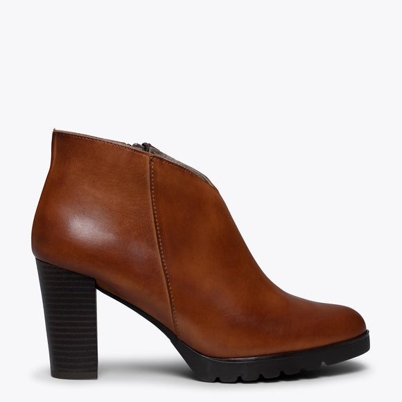 CLASSIC – Bottines pour femme à talon MARRON