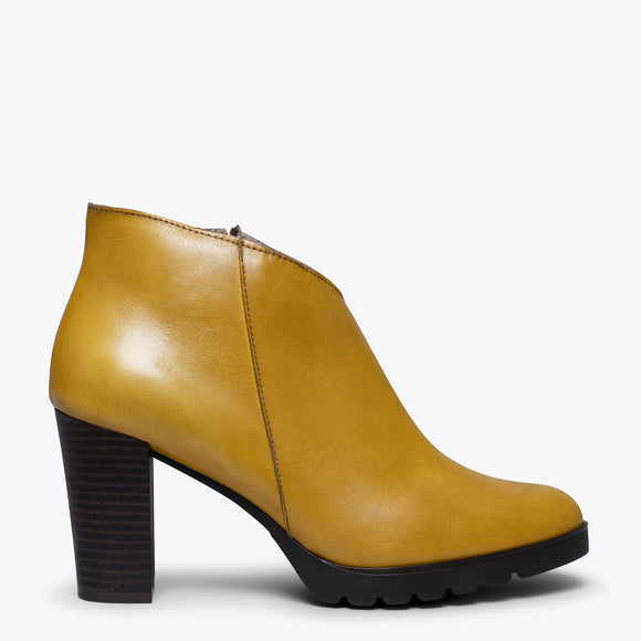 CLASSIC – Bottines pour femme à talon MOUTARDE