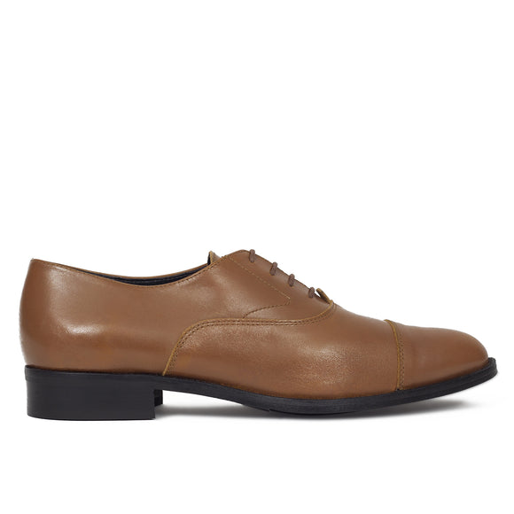 chaussures-oxford-pour-femme-camel