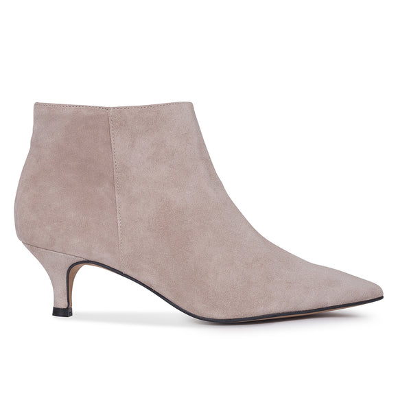 OUTFIT- bottines kitten heel nude