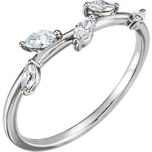 Platinum Petite Diamond Leaf Ring (1/3 Ctw, Color GHI, Clarity SI2-SI3), Size 8.25