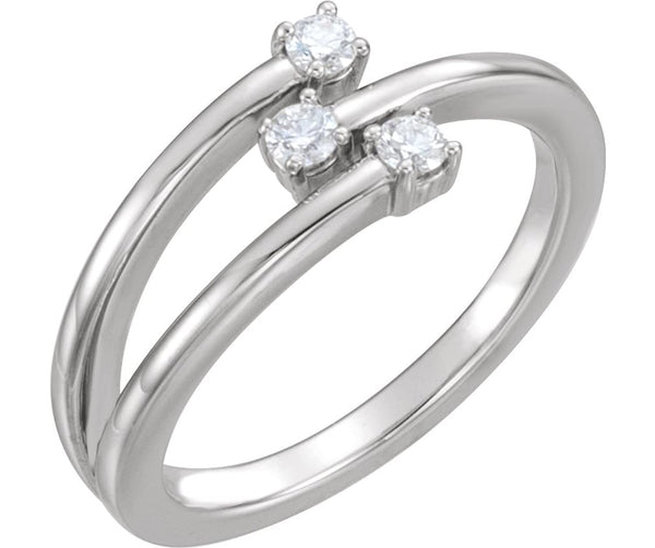 Platinum 3-Stone Diamond Past, Present, Future Ring, Size 7 (.20 Ctw, GH Color, SI2-Si3 Clarity)