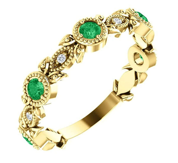 Emerald and Diamond Vintage-Style Ring , 14k Yellow Gold (0.03 Ctw, G-H Color, I1 Clarity)