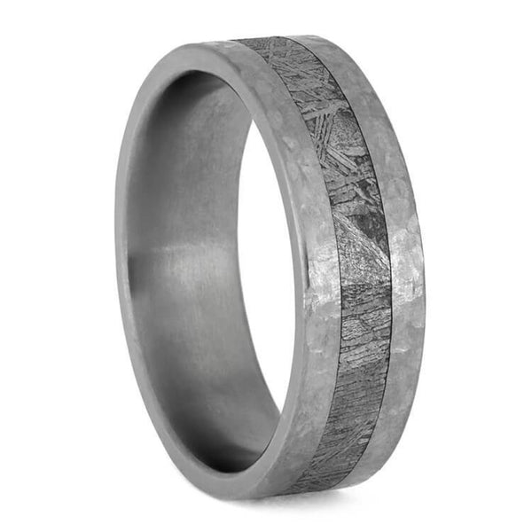 The Men's Jewelry Store (Unisex Jewelry) Gibeon Meteorite, Hammered Titanium 7mm Comfort-Fit Band