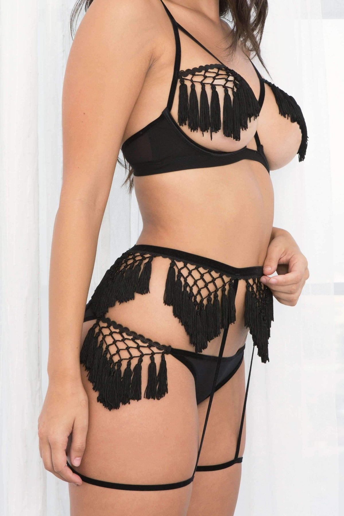 Honeydew Intimates:Aster Fringe & Mesh Bralette,Black / Small