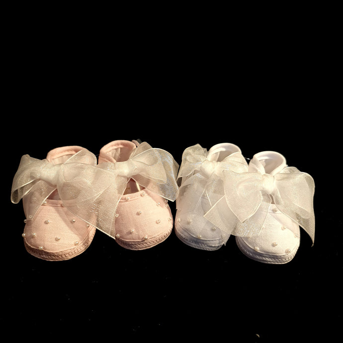 80027 Will Beth soft pram shoes with pearls and organza ribbon