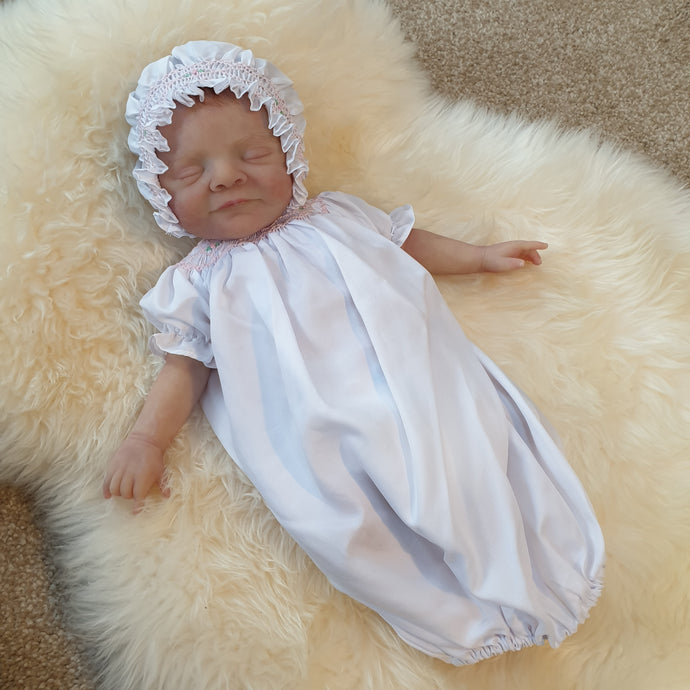 6403 Cable Rose Smocked Traditional Supot night gown for Dolls. White with smocked bonnet. - Silicone Velvet Matting Powder