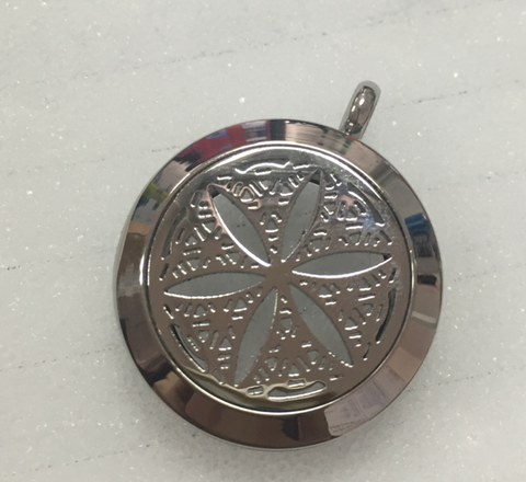 AromaTherapy Snowflake Essential Oil Diffuser Pendant & Necklace