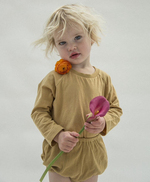 Long sleeve loose fit t shirt in mustard
