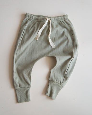 Causal organic pants in elm