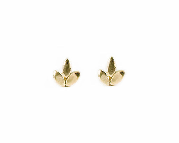 petite solid gold leaves earrings