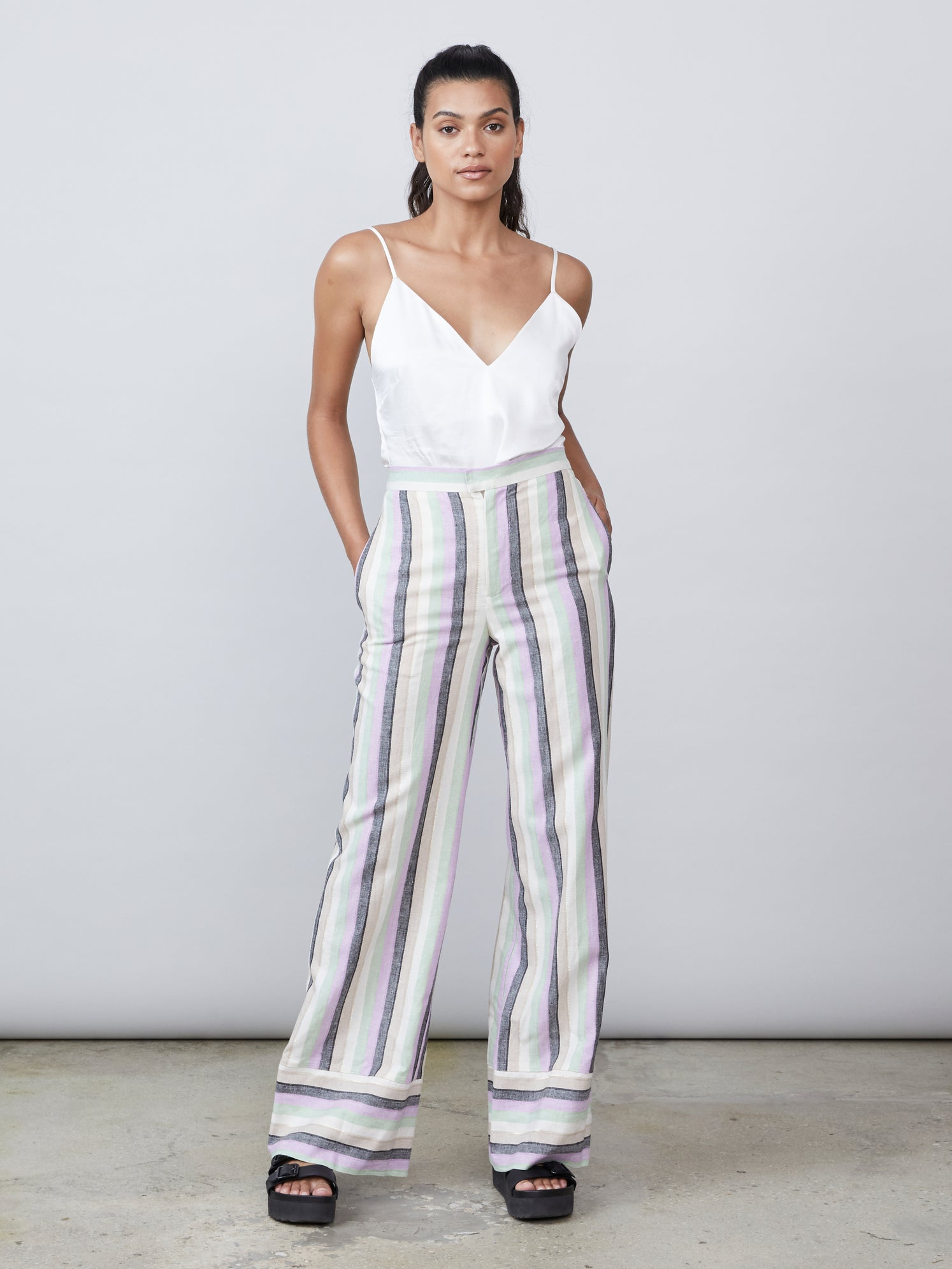 High rise wide leg front pocket contrast cuff pant