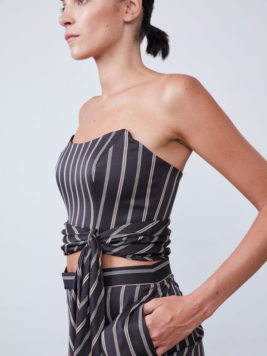 Stripe-patterned strapless top with attached front sash Alternate