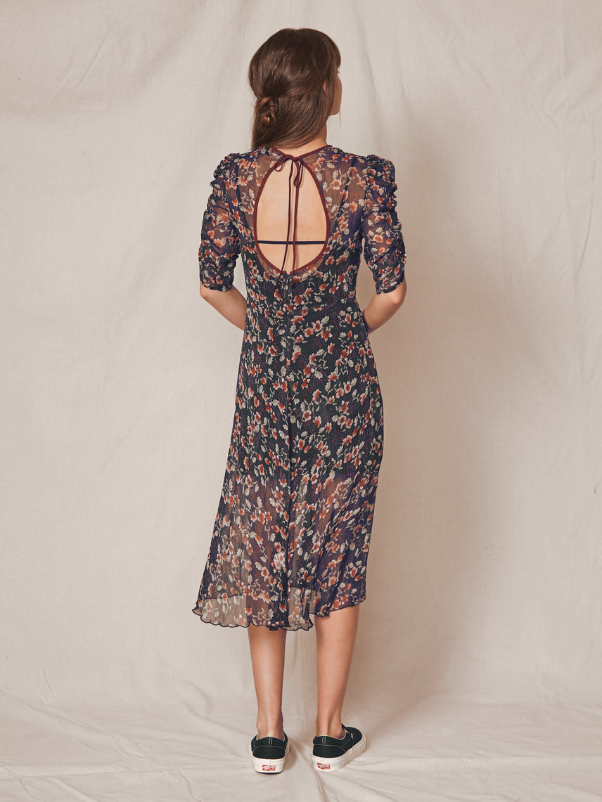 Floral print crinkle chiffon dress with expose o-back Alternate