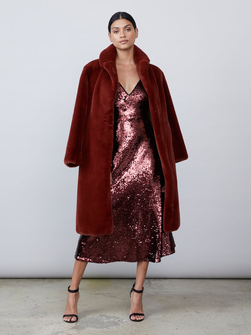 Robe style bordeaux faux fur coat