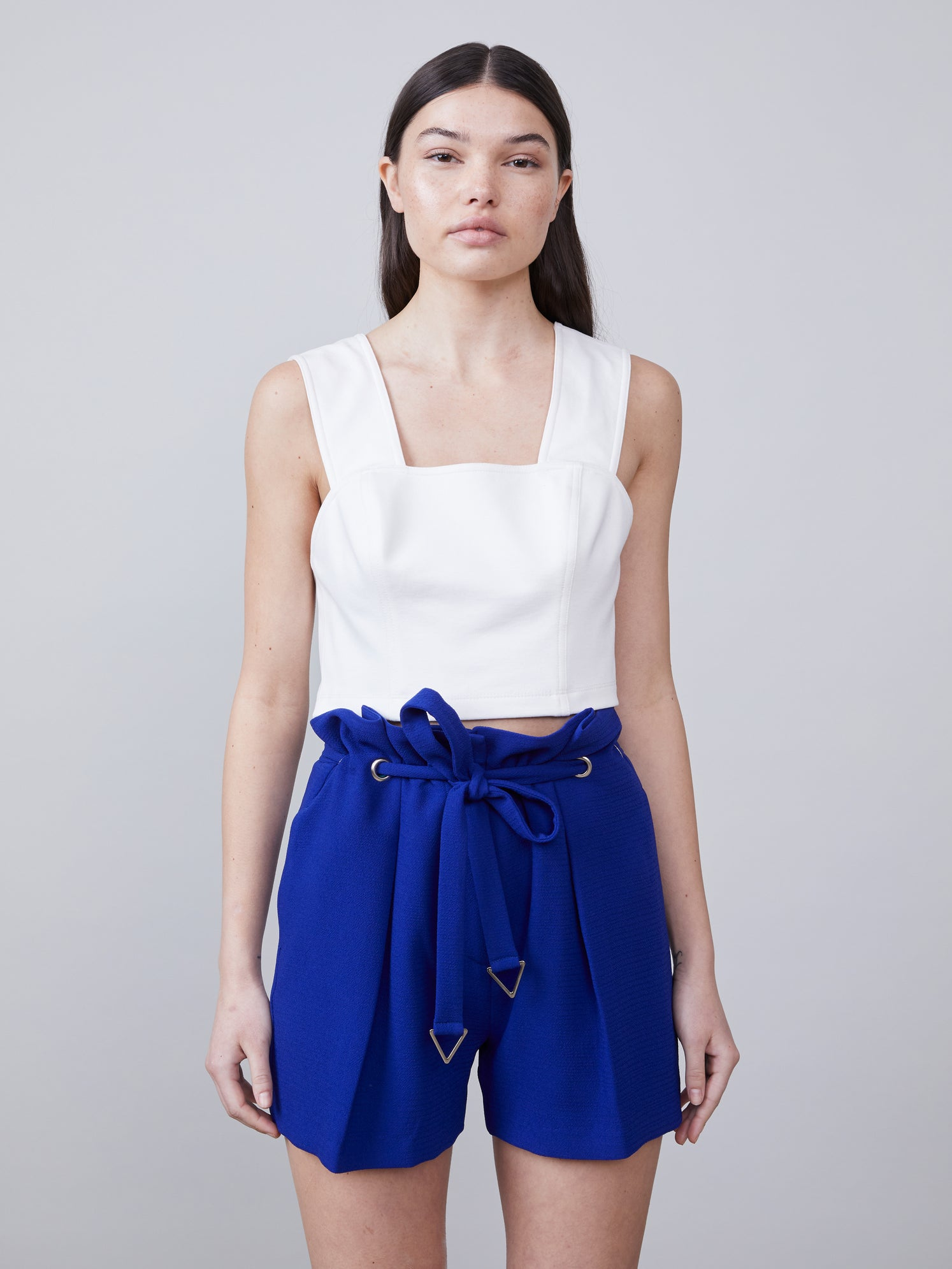 Royal paperbag crepe shorts with front tie