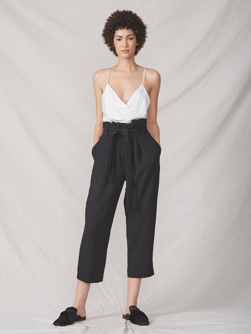 Black cropped paperbag pant with front tie