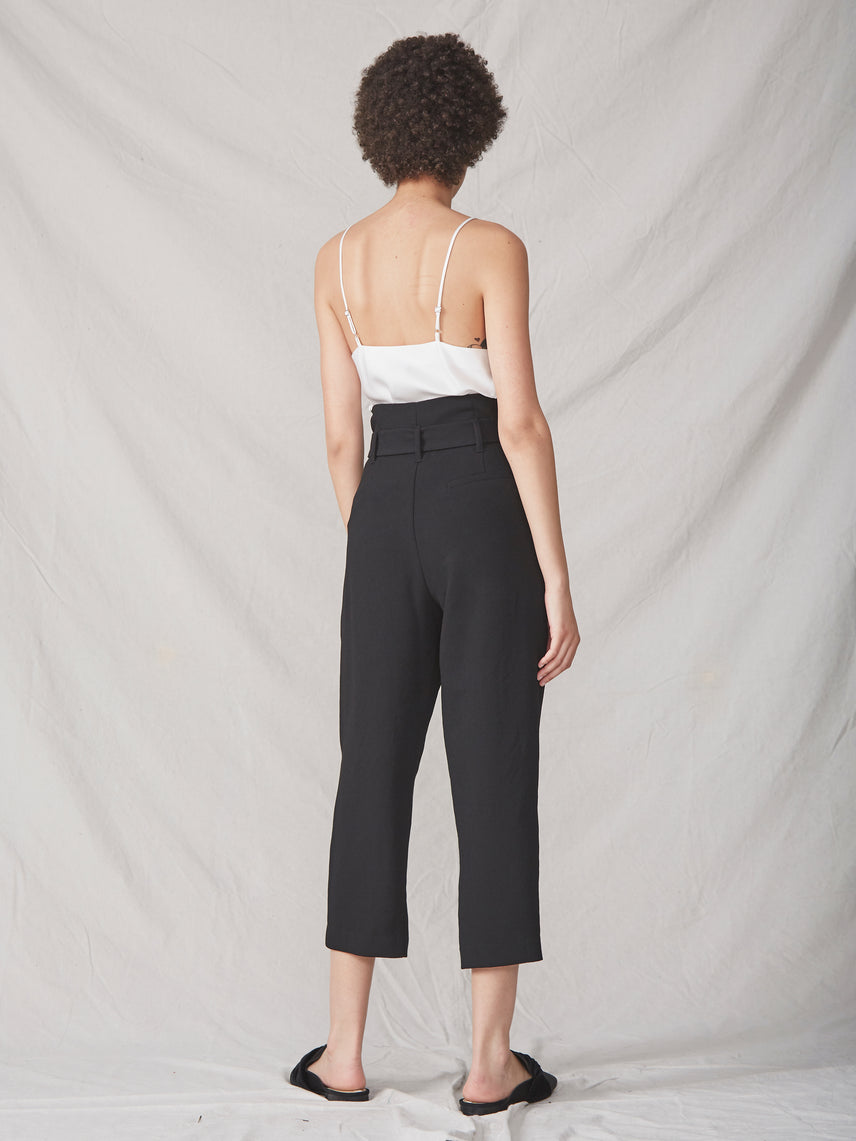 Black cropped paperbag pant with front tie Alternate