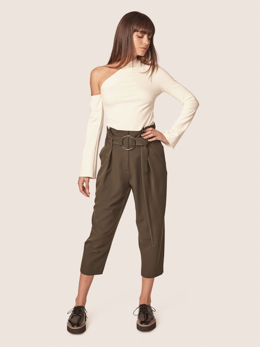 Olive green cropped paper bag pant with o-ring belt