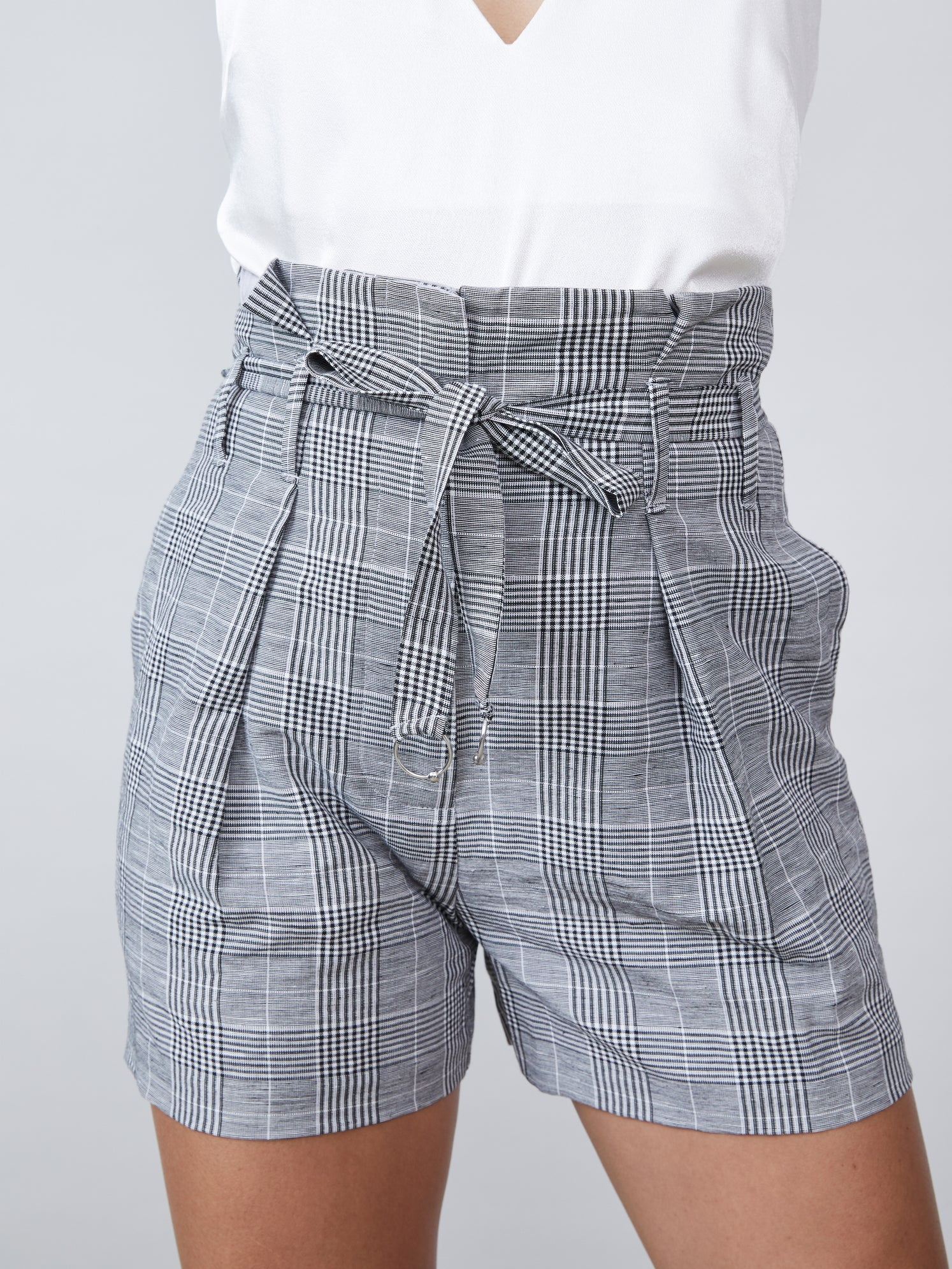 Pleated plaid short with paperbag belted waist Alternate