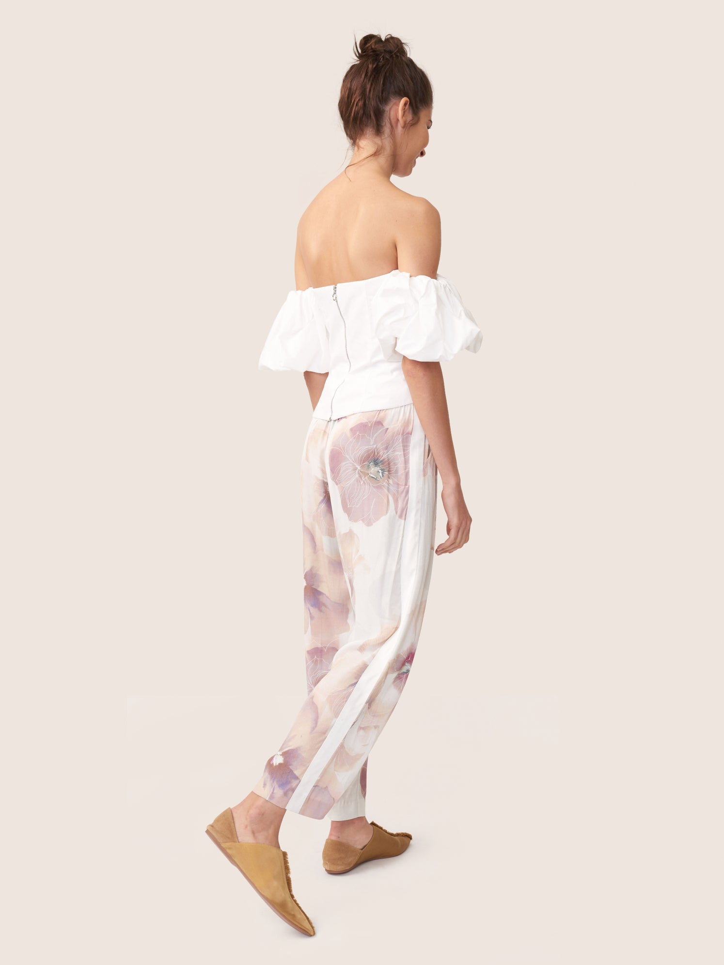 Floral printed satin cropped pant with ivory side stripe