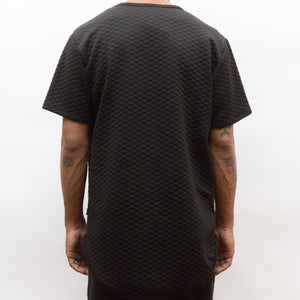 Load image into Gallery viewer, QUILTED SCALLOP TEE- BLACK