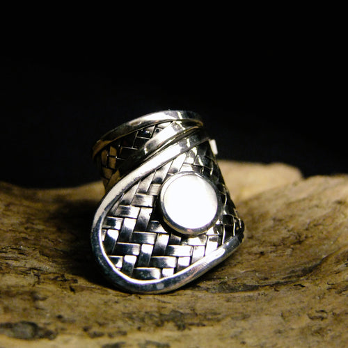 Basket Weave Shell Silver Ring-JEWELLERY / RINGS-Jewelery Center (THA)-Mother of Pearl-52-The Outpost NZ