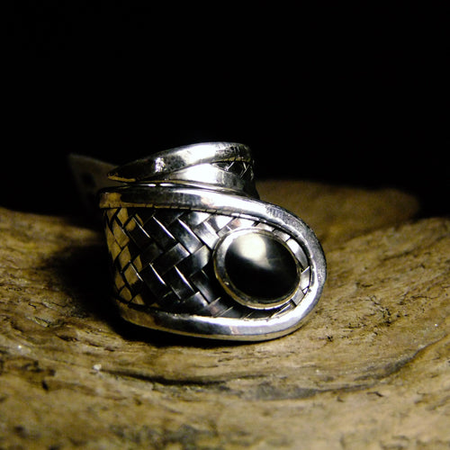 Basket Weave Shell Silver Ring-JEWELLERY / RINGS-Jewelery Center (THA)-Onyx-52-The Outpost NZ