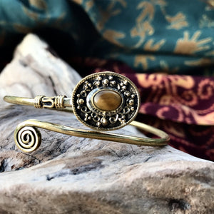 Jerica Stone Brass Bangle-JEWELLERY / BANGLE-Gopal Brass Man (IND)-Tigers Eye-The Outpost NZ