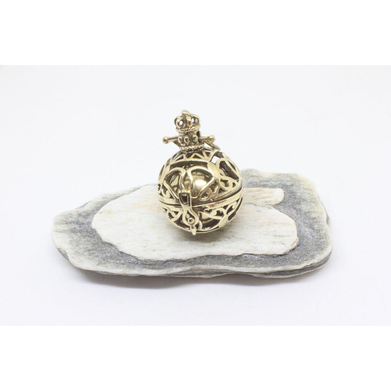 Valencia Brass Pendant-JEWELLERY / NECKLACE & PENDANT-Gopal Brass Man (IND)-Bell-The Outpost NZ