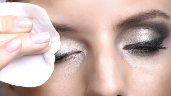 5 Reasons to Remove Your Makeup Before Bed