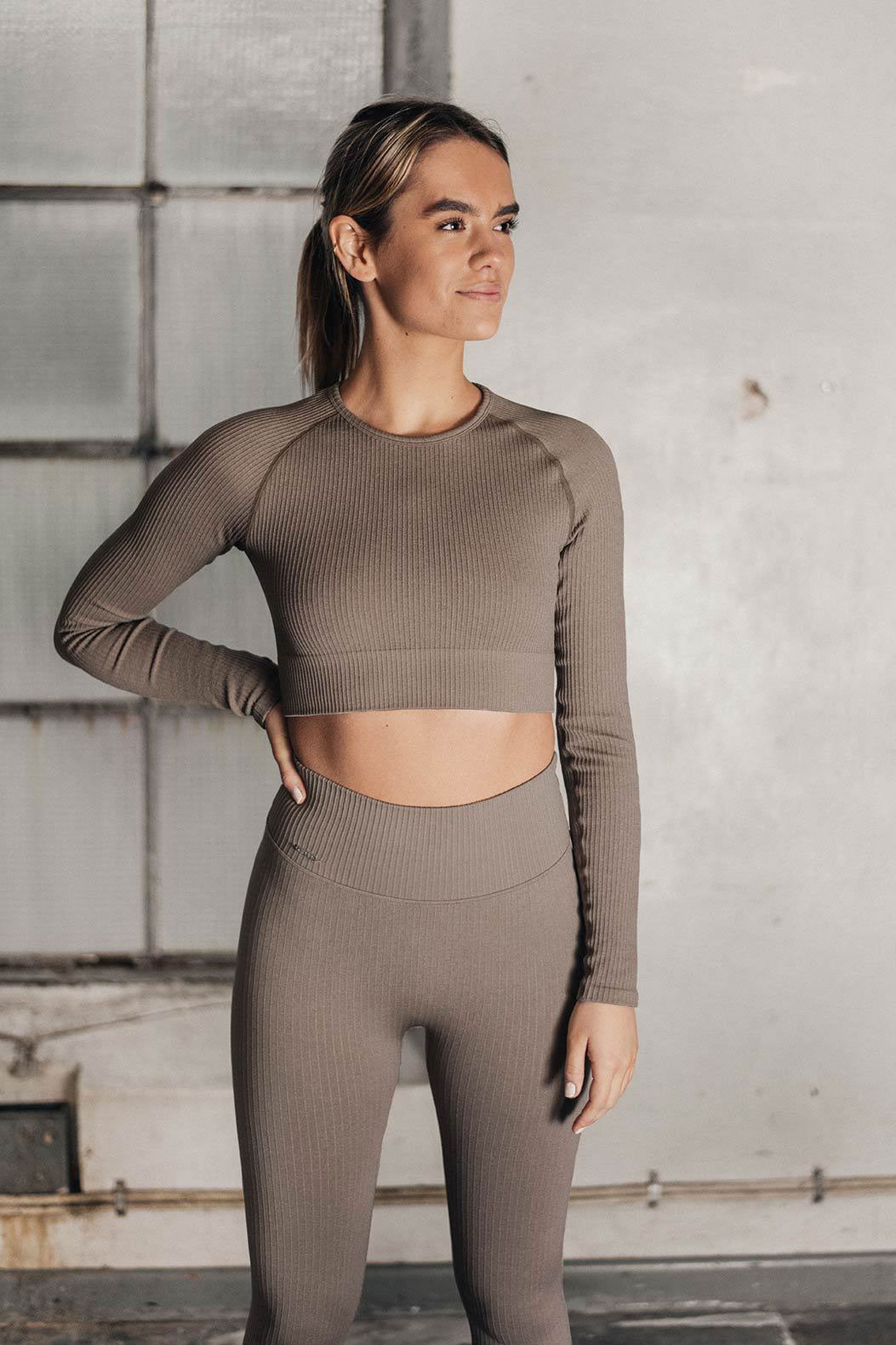 Aim'n Ribbed Seamless LS Crop - Espresso | Shop AIM'N at GOALS NZ