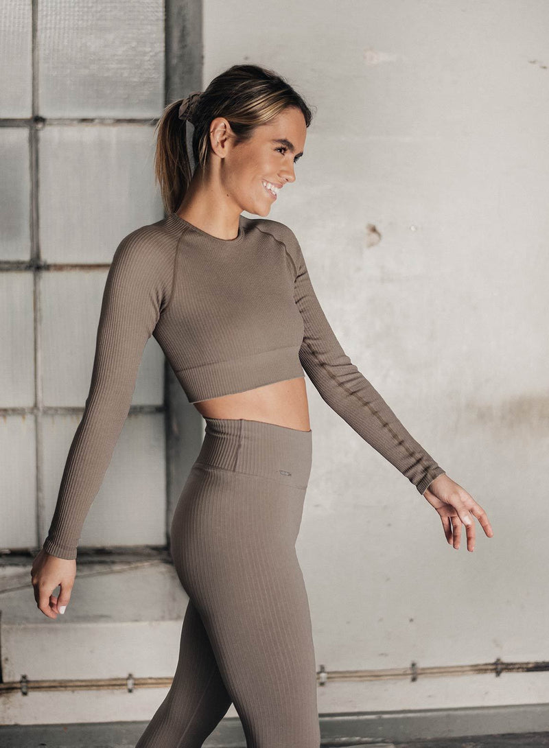 Aim'n Ribbed Seamless LS Crop - Espresso