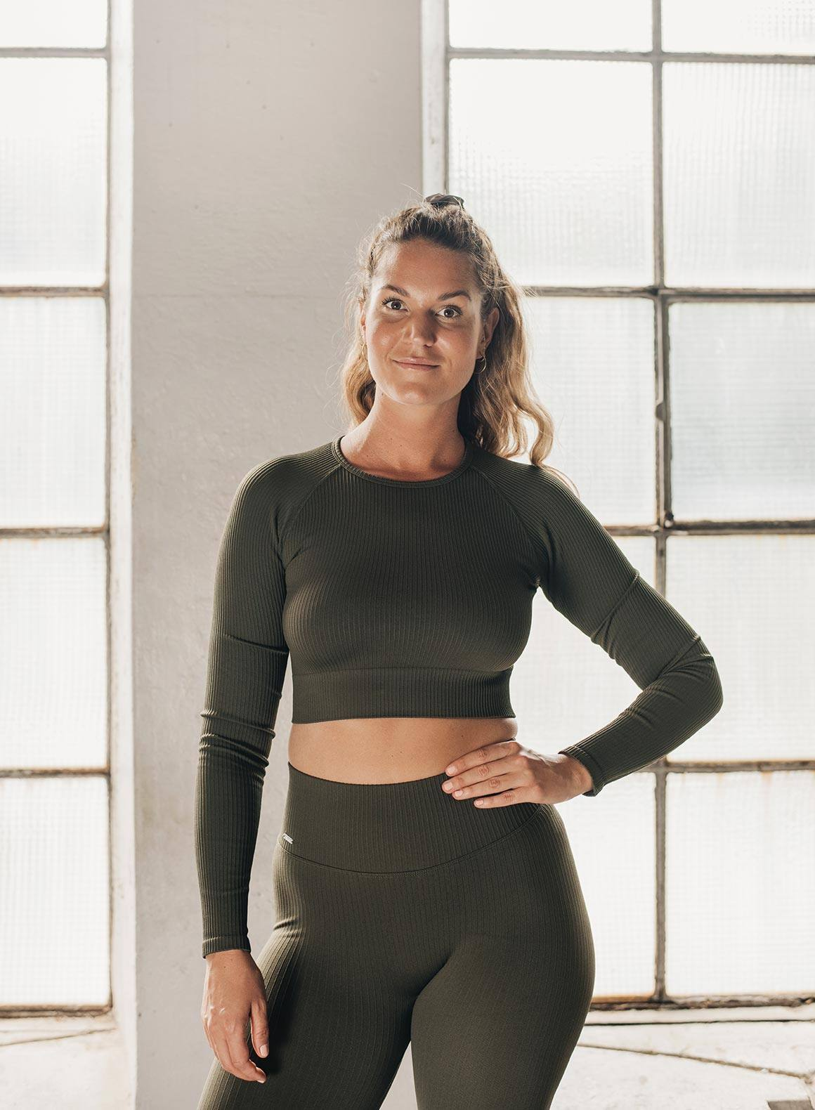 Aim'n Ribbed Seamless LS Crop - Khaki
