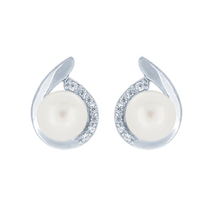 (100020) 6-6.5mm Freshwater Cultured Pearl White Cubic Zirconia Stud Earrings In Sterling Silver