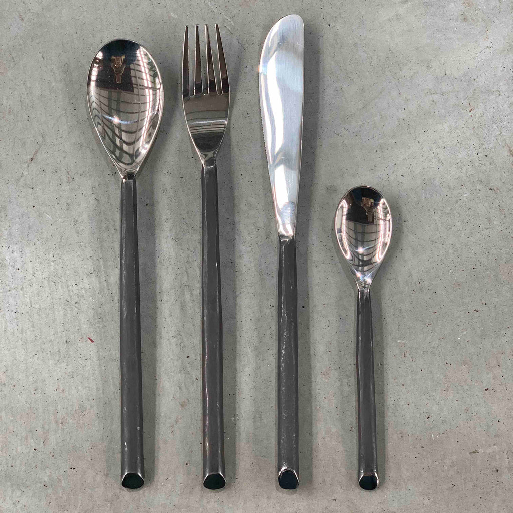 Burnished cutlery set