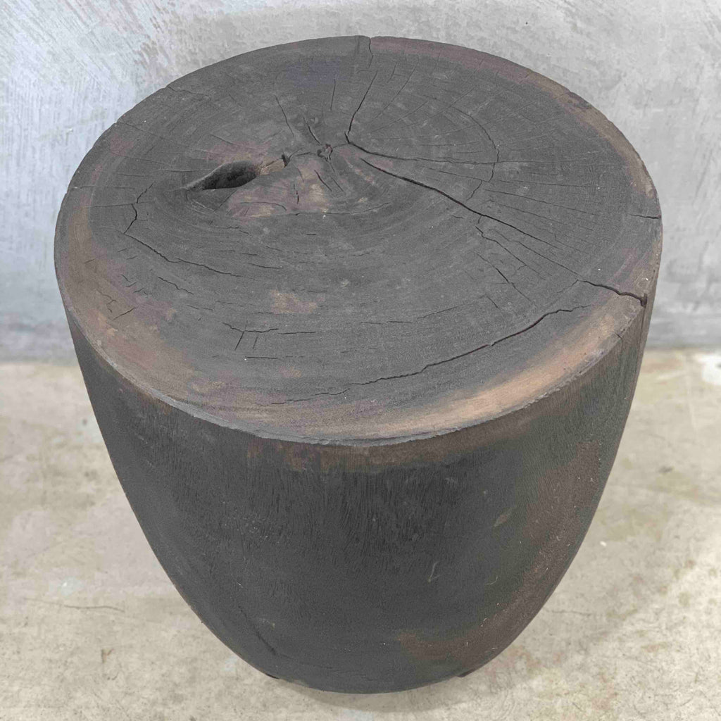 Black meti side table