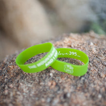 "WRISTBAND ""THE MOUNTAINS ARE CALLING"""