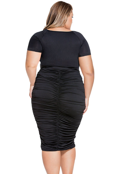Chicloth Black Pleated Curvaceous Midi Dress