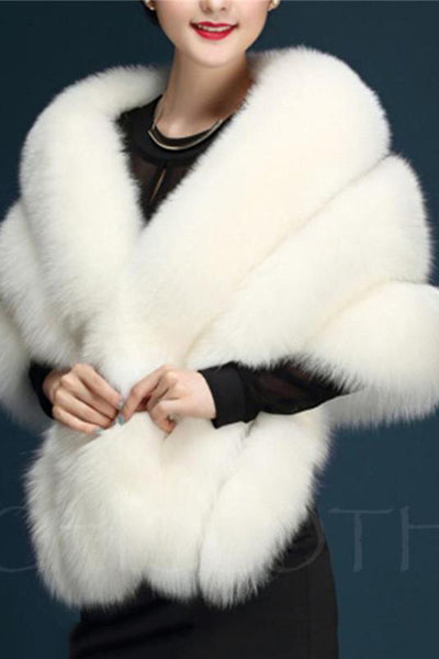 Chicloth Confortable Solid Faux Fur Cape-Faux Fur Coats-Chicloth