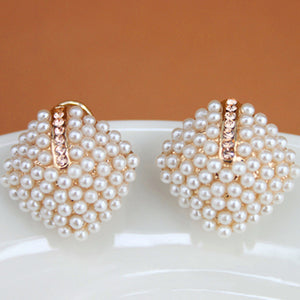 A| Chicloth Alloy Diamante White Elegant Pearl Earrings
