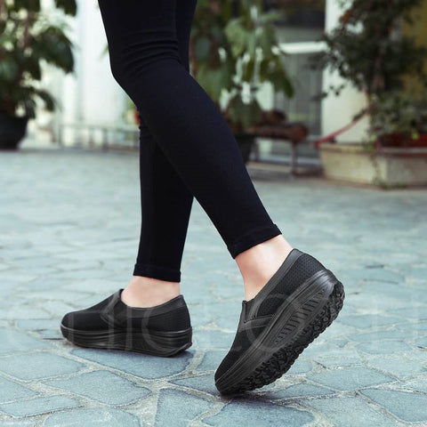 A| Chicloth Breathable Mesh Platform Slip-On Women's Sneaker