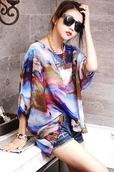 Chicloth Abstract Painting Batwing Sleeve Pullover Blouse