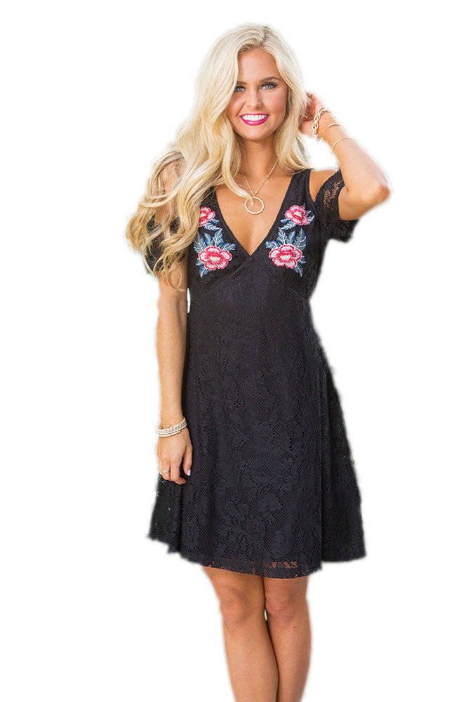Chicloth Black Cold Shoulder Floral Embroidery Lace Dress