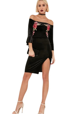 Chicloth Black Off the shoulder Velvet Dress