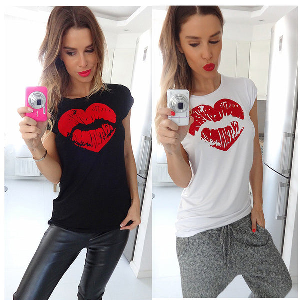 Chicolth Sparking Lips  T-shirt