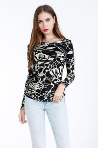 A| Chicloth Black Round Neck Long Sleeves Blouses