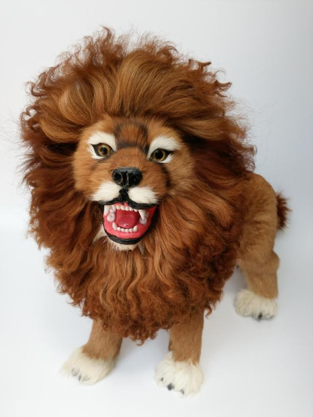 Artificial lion model