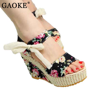 Flowers Buckle Open Toe Sandals