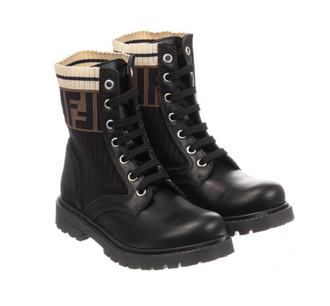 Black Boots With Rib Logo